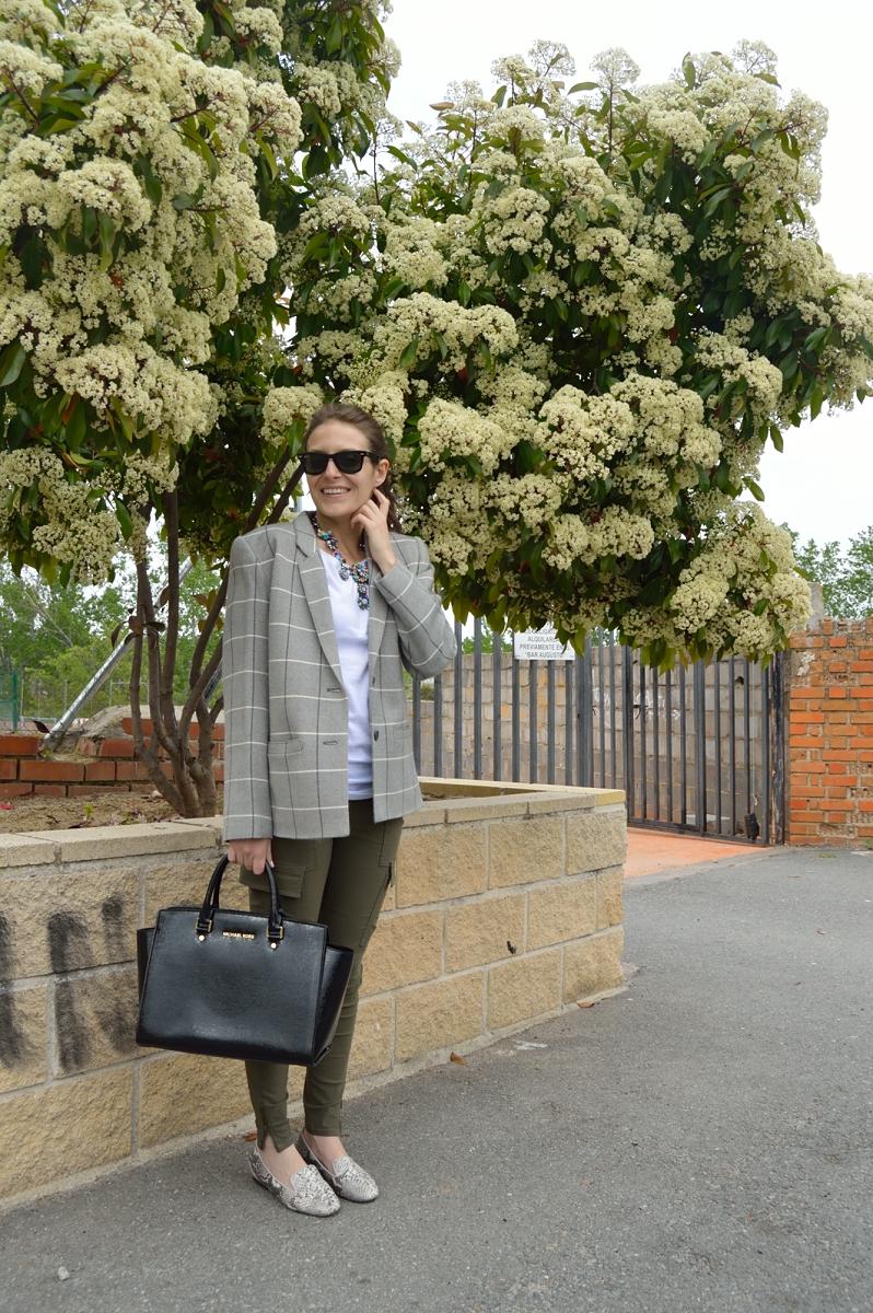 lara-vazquez-madlula-blog-fashion-trends-olive