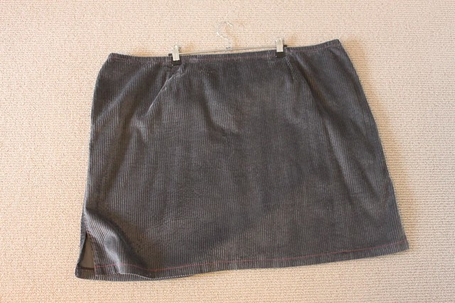 Wet cement cord skirt