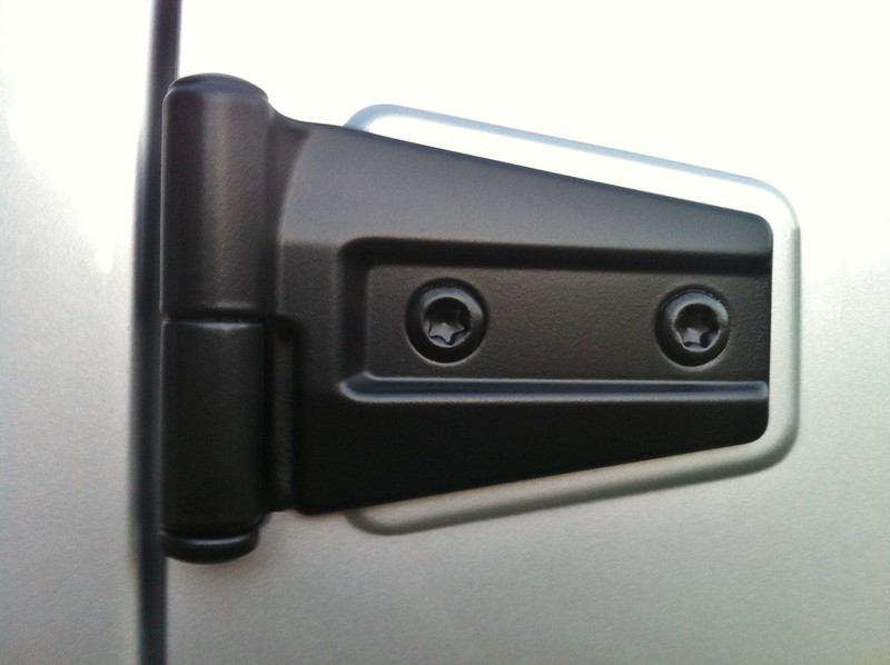 How To Plastidip Your Door Hinges And Jeep Emblem