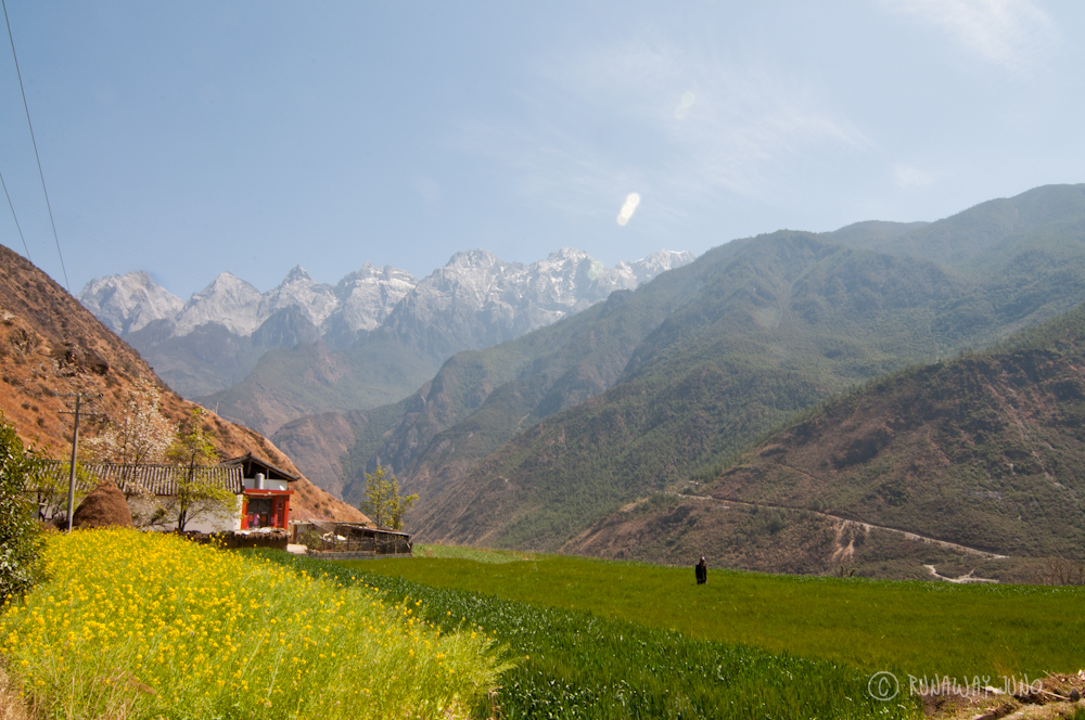 Tiger Leaping Gorge, starting point with a great view