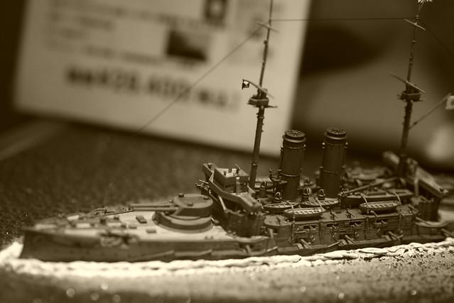 セピアの軍艦