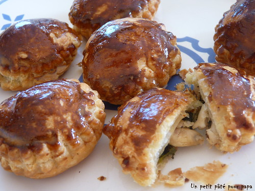 Petits pâtés feuilletés aux cuisses de grenouille