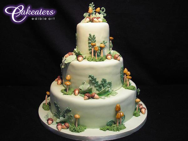 Cakeaters Edible Arts : forest wedding cake Flickr - Photo Sharing!