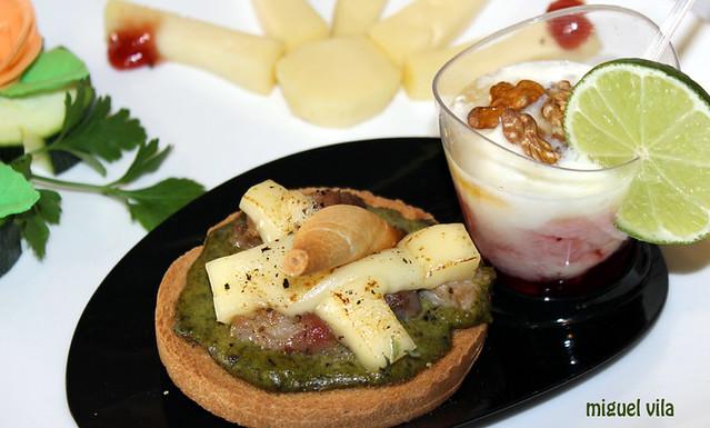 Tosta de espinacas con Arzúa-Ulloa y raxo