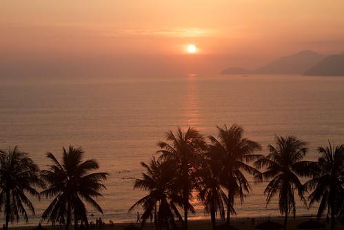 sea beach sunrise bay vietnam southchinasea nhatrang canonef24105mmf4lisusm canon7d