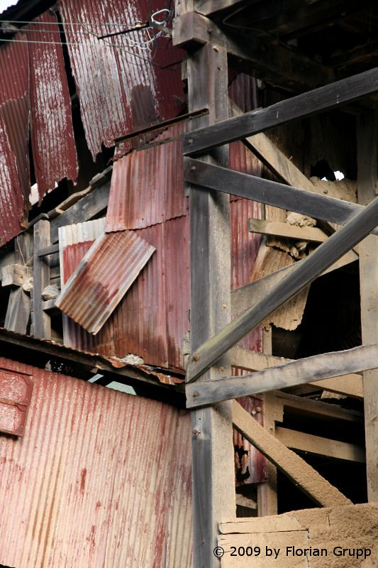 http://farm8.staticflickr.com/7127/7434453006_95181a7171_b.jpg
