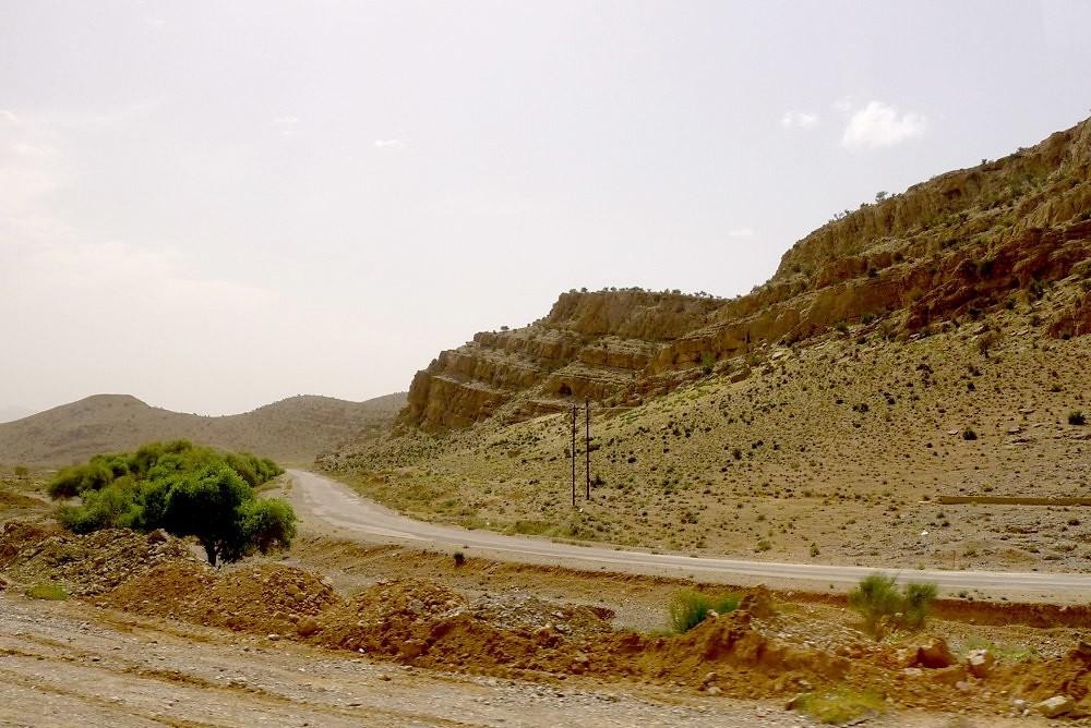 yazd-shiraz-L1030113
