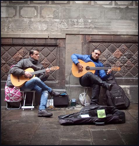 straatmuzikanten by hans van egdom