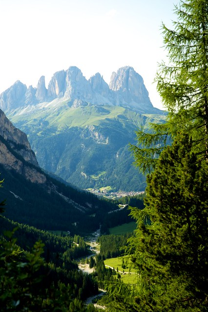 la valle e Canazei sul fondo