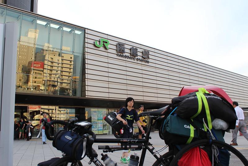 函館駅に到着
