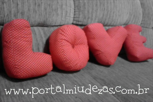 Love em almofadas by miudezas_miudezas