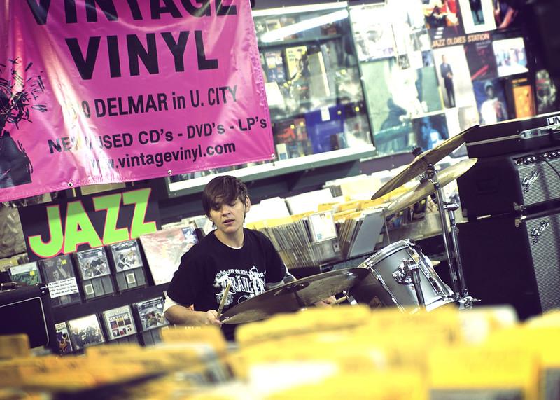 Ume @ Vintage Vinyl