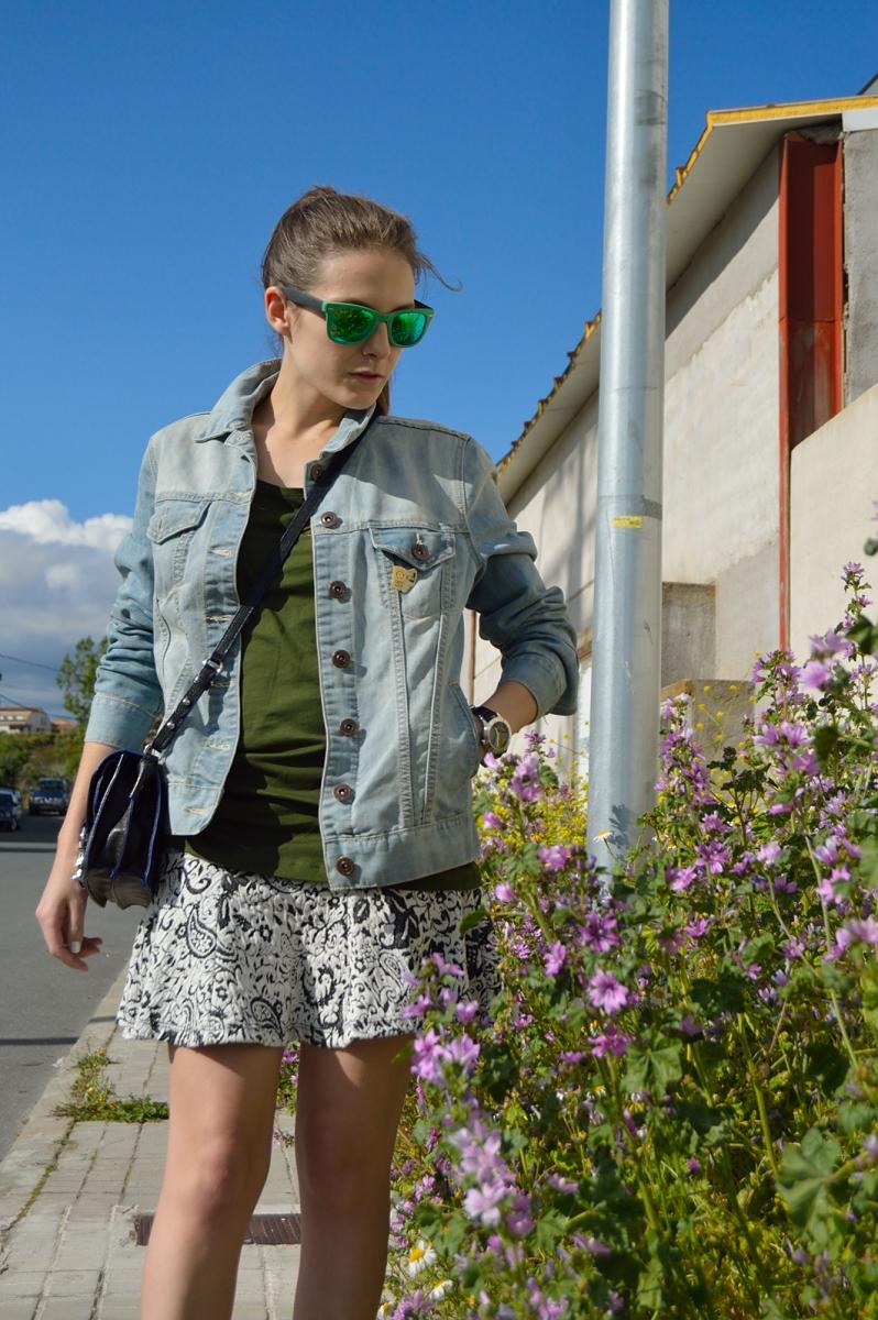 lara-vazquez-madlula-blog-easy-look-denim-green
