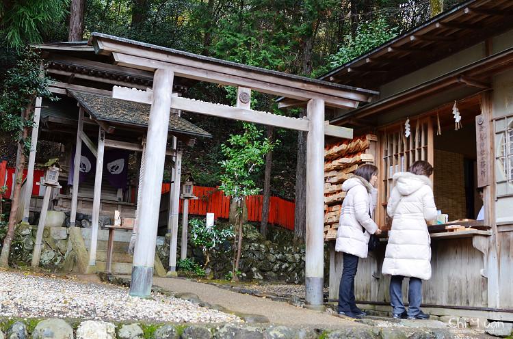 [日本。嵐山]嵯峨野秋意小倉池。御髮神社