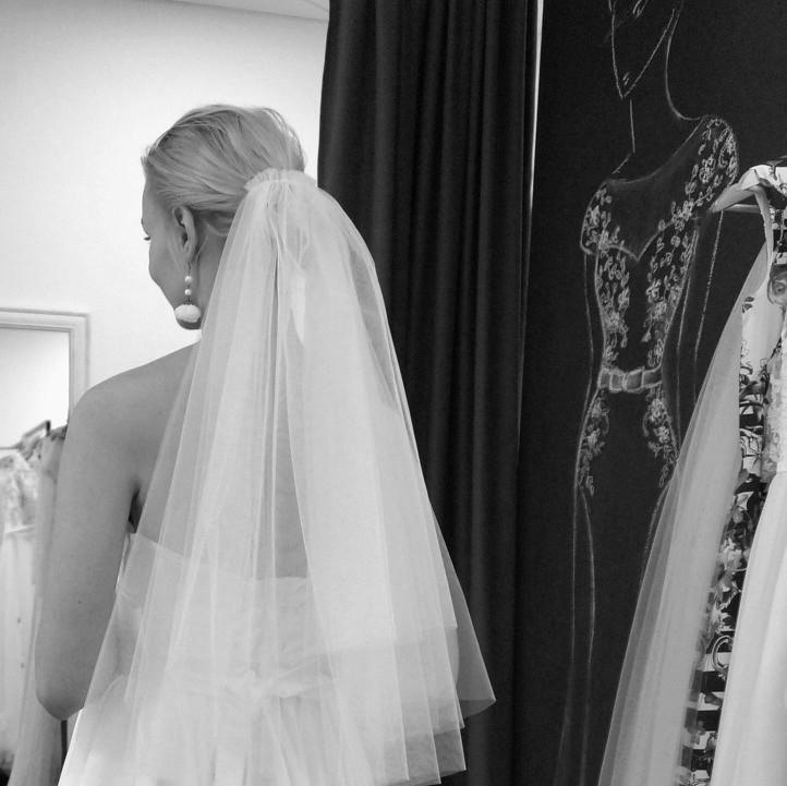 vestuviniu-sukneliu-paieska-dziaugsmas-Aida-Kapociute-bridal