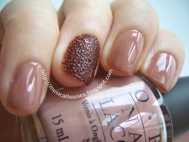 ciate caviar manicure inspired look 2