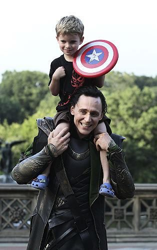 Tom Hiddleston is freaking awesome!