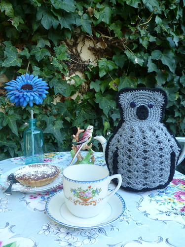 Kitschy Koala Tea Cozy...