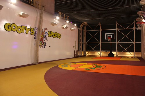Goofy Sports basketball - Disney Fantasy