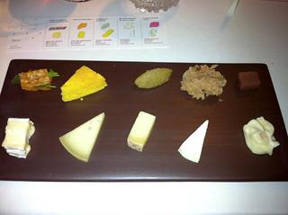 Los cinco quesos del mes con contraste de cocina dulce