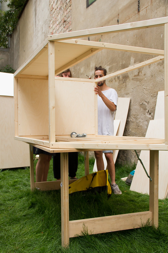 Smallest House In The World 2012 modren smallest house in the world 2012 living structures intended
