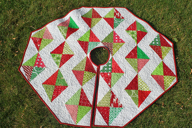 """""""Christmas Tree Skirt Tutorial"""" is a Free Tree Skirt Pattern designed by Lee A. Heinrich from Freshly Pieced"""