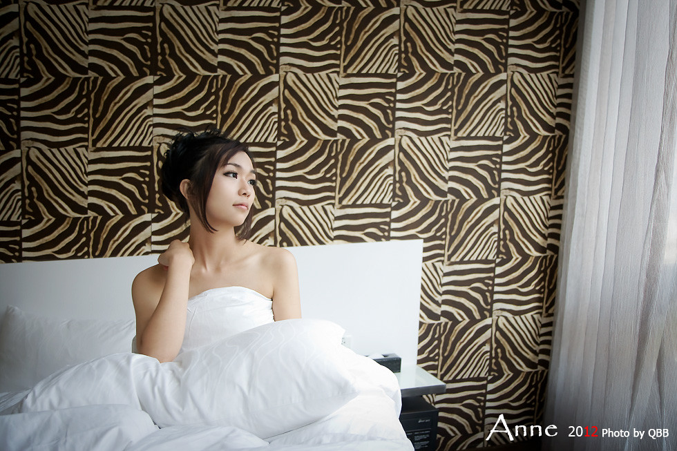 。。。Anne  性感的約會 (不口以偷看喔)。。。