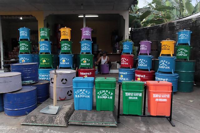 Trash Cans!  Getcher Trash Cans!