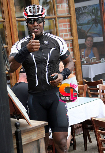 EXCLUSIVE: Barry Bonds Out For A Morning Bike Ride