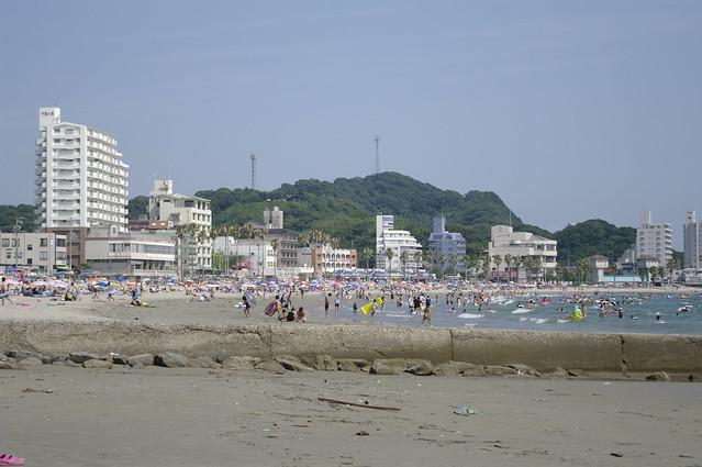 utsumi aichi: we went to the fricking beach, ya'll