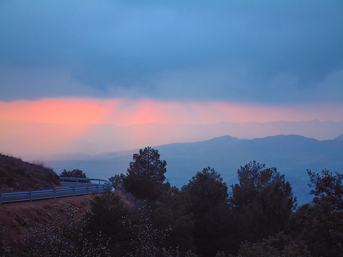 clouds landscapes spain wolken sunsets spanje pyrénées landschappen pyreneeën zonsondergangen geocity exif:iso_speed=200 exif:make=fujifilm camera:make=fujifilm exif:focal_length=182mm geostate geocountrys exif:aperture=ƒ28 camera:model=finepix4900zoom exif:model=finepix4900zoom geo:lat=42138480555556 geo:lon=11042611111111