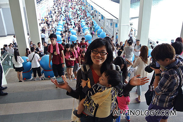 Doraemon madness - look at the volume of people the exhibition attracted!