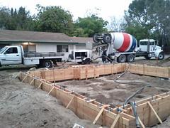asphalt(0.0), pumping station(0.0), vehicle(1.0), foundation(1.0), construction(1.0),