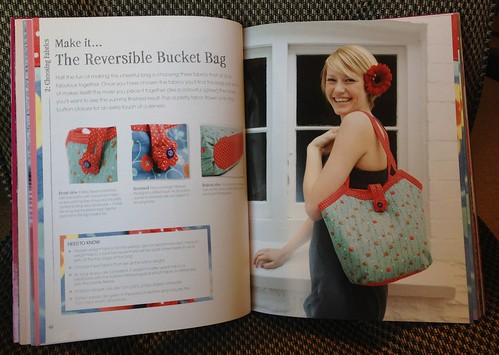 The Reversible Bucket Bag / The Bag Making Bible by Lisa Lam