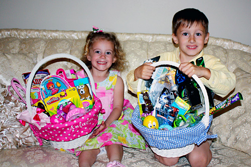 Nathan-and-Auttie-and-their-baskets