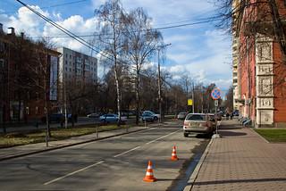 Rue devant l'hotêl Maxima dans le quartier de Vladykino