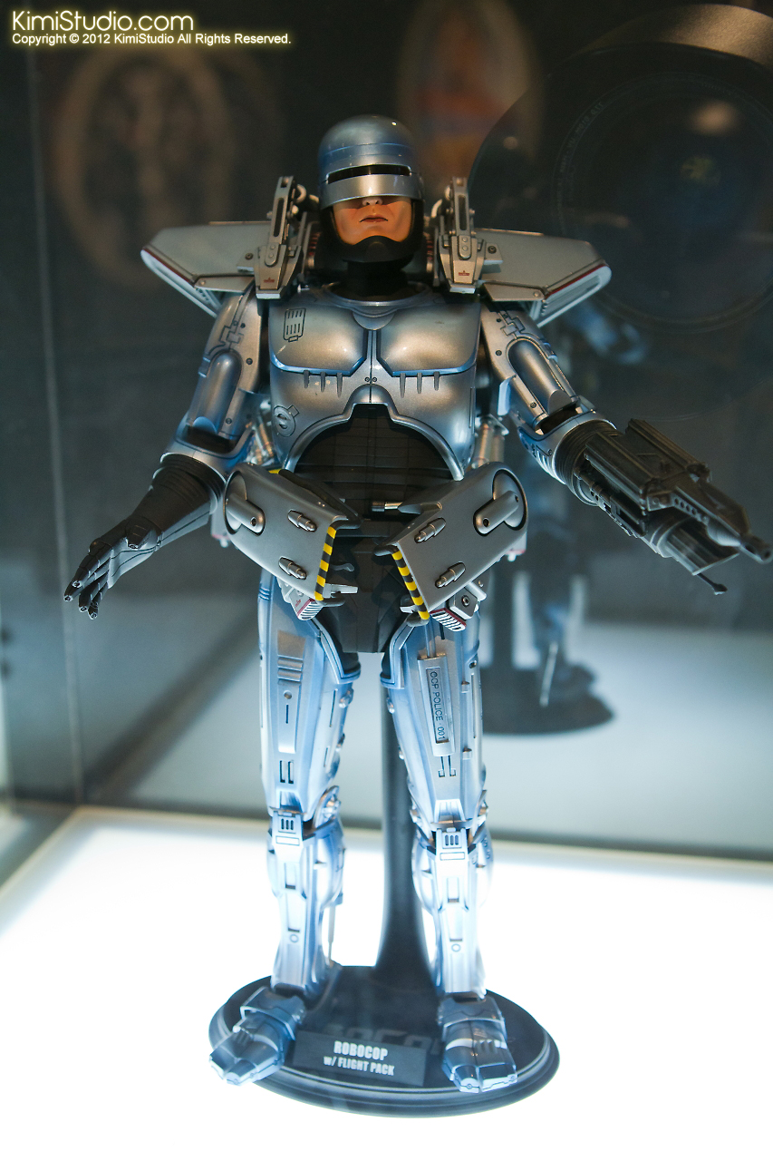 2011.11.12 HOT TOYS-009
