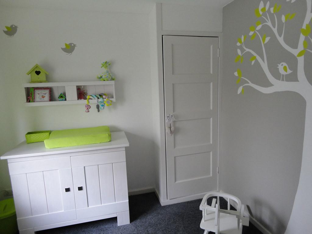 Grijs kamer baby ontwerp - Babykamer beige en wit ...