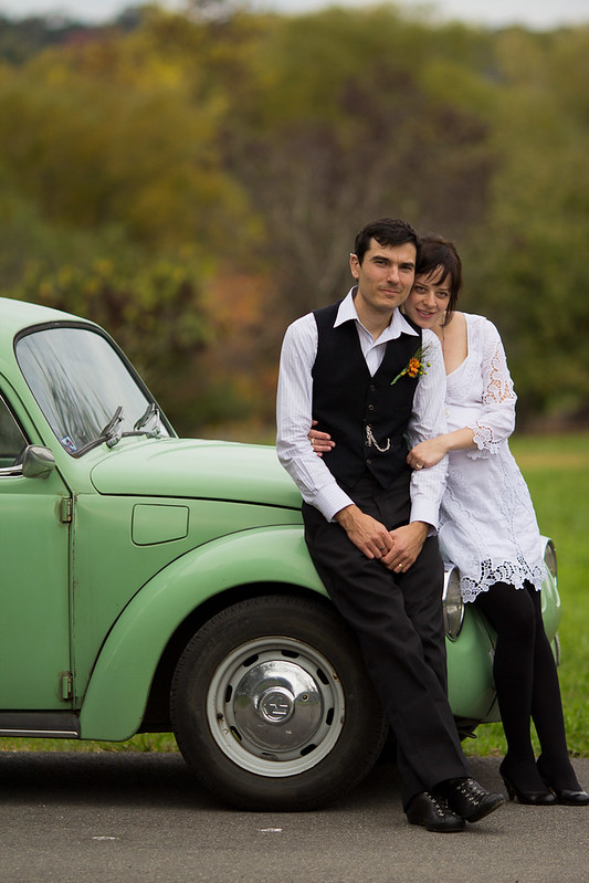 Canberra wedding - bride and groom on the wedding car