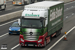 Mercedes-Benz Actros 4x2 Tractor - GK12 UAO - Taz - Green & Red - 2012 - Eddie Stobart - M1 J10 Luton - Steven Gray - IMG_4696