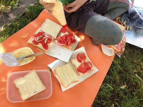 公園でピクニック気分