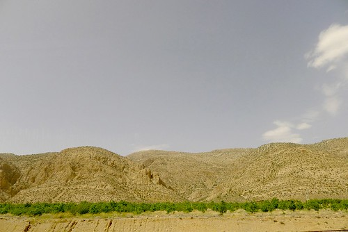 yazd-shiraz-L1030127