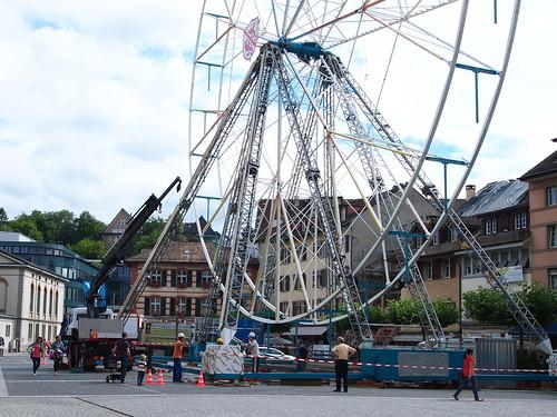 Vorbereitungen – Das Riesenrad auf dem Neumarkt