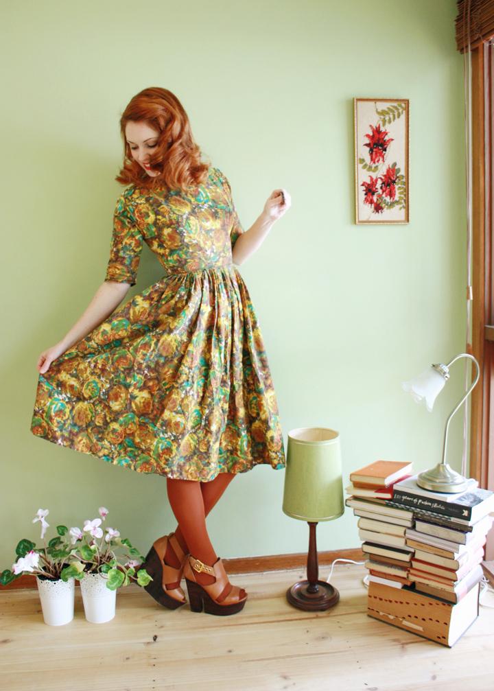 50s dress 50s lamp a