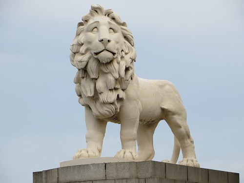 Coade Stone Lion by webmink