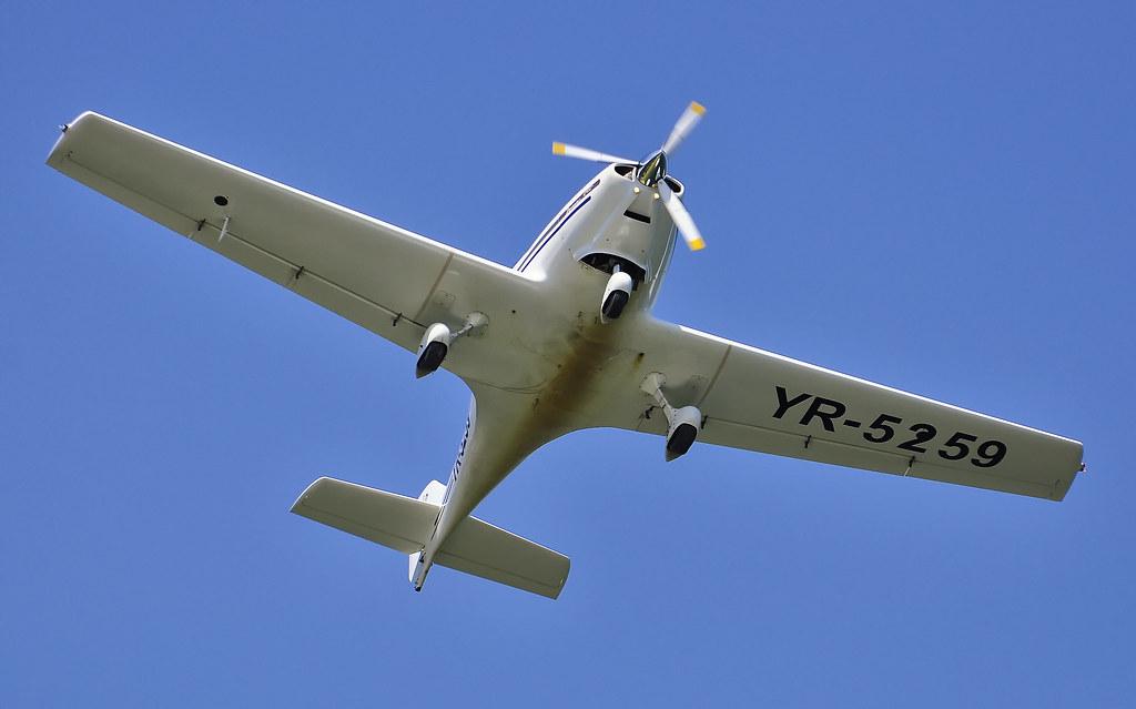 AeroNautic Show Surduc 2012 - Poze 7489925106_a3d8948d90_b