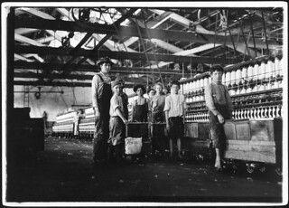Group of doffers and spinners working in Roanoke Cotton Mills, May 1911
