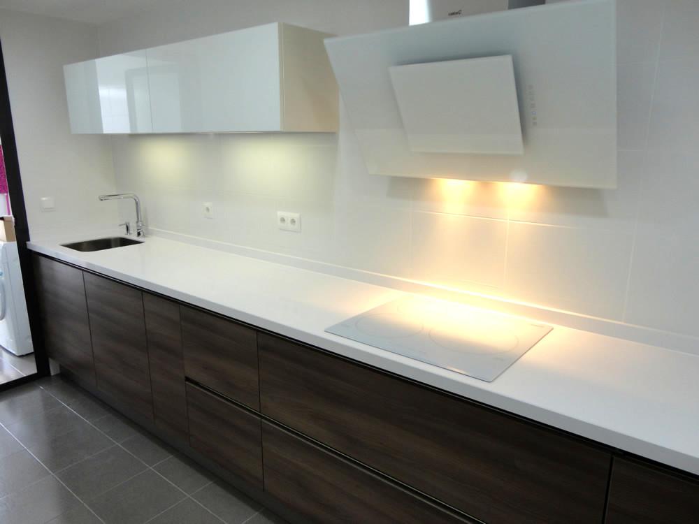 Modelo atlanta - Cocinas con electrodomesticos blancos ...