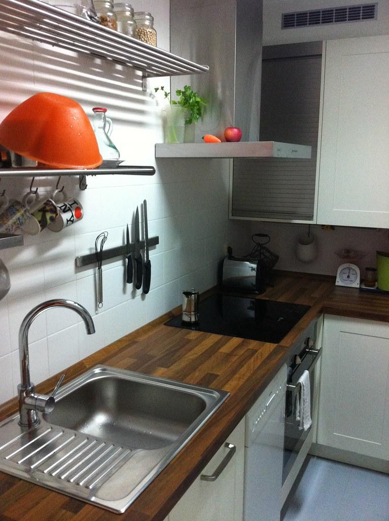 Una cocina completa en 4 metros cuadrados for Cocina 4 metros