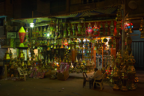 Store selling Ramadan lamps by Ester Meerman